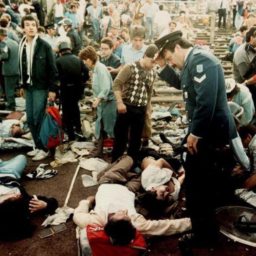 Feriti e cadaveri nella tragedia all'Helsey Stadium di Bruxelles